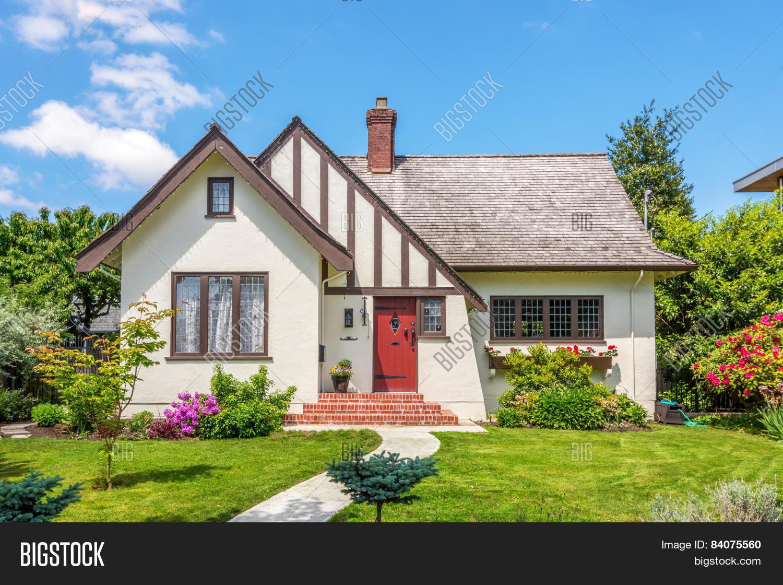 Imagen y foto cozy house exterior prueba gratis bigstock - Beautiful home pictures exterior ...