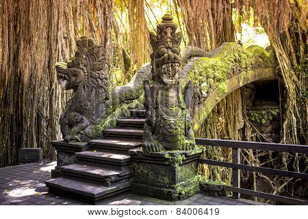 Dragon sculpture.