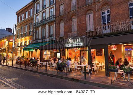 Restaurants On Place Victor Hugo