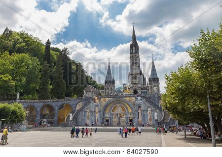 Pilgrims Visiting The Sanctuary Of Our Lady Of Lourdes