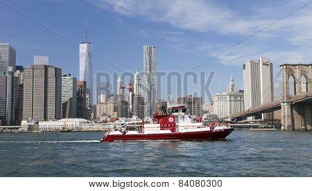 New York, Usa - The Fire Boat No.343 On East River