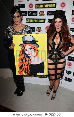 LOS ANGELES - JUN 4:  Sham Ibrahim, Phoebe Price at the Celebrity Selfies Art Show by Sham Ibrahim at the Sweet! Hollywood on June 4, 2015 in Los Angeles, CA