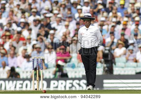 LONDON, ENGLAND - August 21 2013: umpire Aleem Dar during day one of the 5th Investec Ashes cricket match between England and Australia played at The Kia Oval Cricket Ground on August 21, 2013