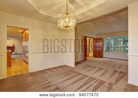 Nice Carpet Dinning Room.