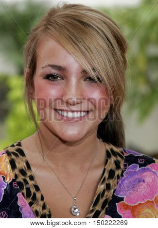 Jamie Lynn Spears at the Los Angeles premiere of 'Charlotte's Web' held at the ArcLight Cinemas in Hollywood, USA on December 10, 2006.