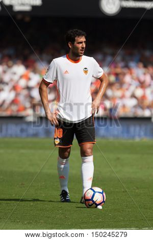 VALENCIA, SPAIN - OCTUBER 2nd: Parejo during Spanish soccer league match between Valencia CF and Atletico de Madrid at Mestalla Stadium on Octuber 2, 2016 in Valencia, Spain