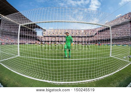 VALENCIA, SPAIN - OCTUBER 2nd: Diego Alves during Spanish soccer league match between Valencia CF and Atletico de Madrid at Mestalla Stadium on Octuber 2, 2016 in Valencia, Spain