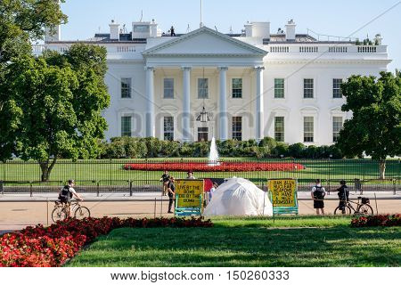 WASHINGTON D.C.,USA - AUGUST 11,2016 : The White House Peace Vigil protesting against nuclear weapons proliferation in Washington D.C.