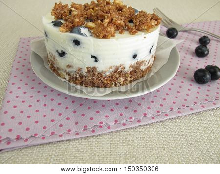 No bake blueberry torte with graham cracker crust, yogurt and crumbles