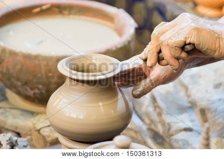 Hand Making Pottery On Wheel ,thai Pottery Style Handmade