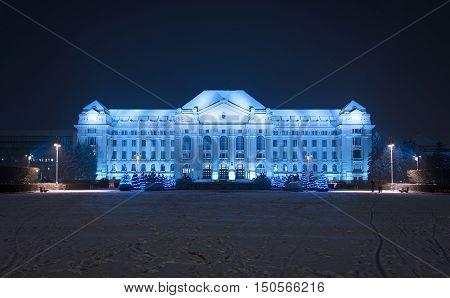 University of Debrecen a winter evening .