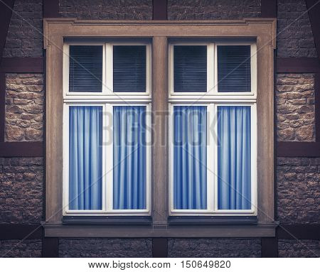 Simple and nice looking window artwork high res