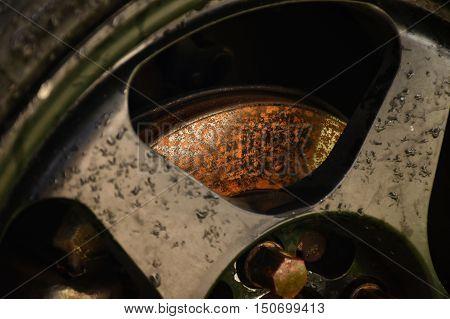 Rusty on disk brake system. Disk brake problem.