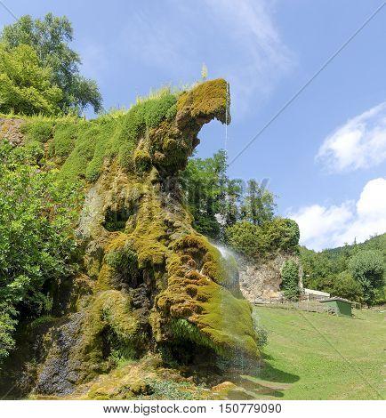 italian waterfalls emilia romagna bologna labante cave moss water drops