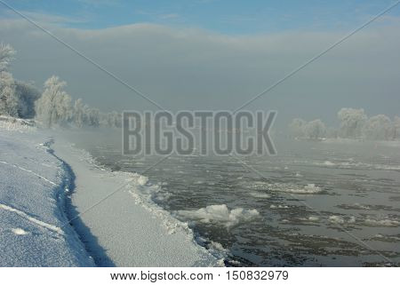 Ice floes on the river Elbe, Dresden, Germany
