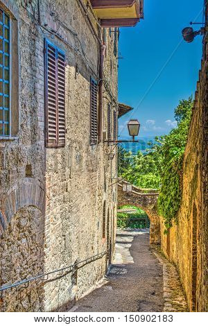 a narrow backstreet in San Gimignano Italy