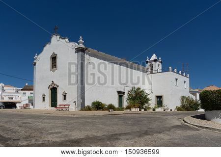 is a small hermitage from the Middle Ages which belonged to the Fraternity of São Brás for several centuries