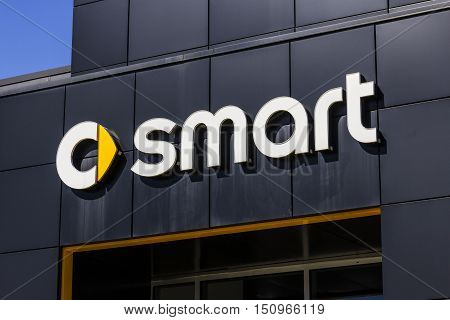 Indianapolis - Circa October 2016: Smart Automobile Dealership. Smart Is A Division Of Daimler Ag I