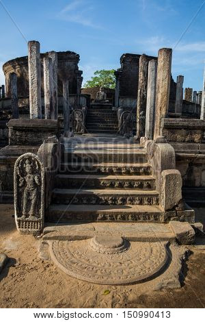Ancient City of Polonnaruwa, photo of the Vatadage (Circular Relic House) in Polonnaruwa Quadrangle, UNESCO World Heritage Site, Sri Lanka, Asia.