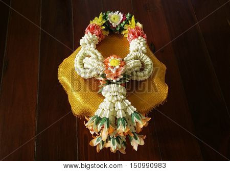 Traditional Thai Style Garland (Craftsmanship from Thailand)