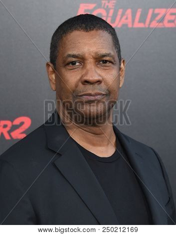 LOS ANGELES - JUL 17:  Denzel Washington arrives to the 'The Equalizer 2' Los Angeles Premiere  on July 17, 2018 in Hollywood, CA