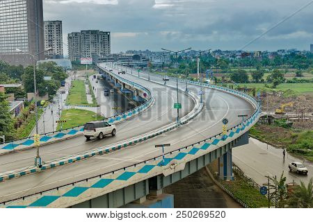 Kolkata, West Bengal , India - August 7th 2016 : Parama Island Flyover, Popularly Known As Ma Or Maa