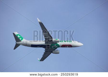 Amsterdam The Netherlands - March 4th, 2018: Ph-hxk Transavia Boeing 737-800 Takeoff From Aalsmeerba