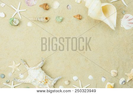 Table Top View Aerial Image Sign Of Decoration Summer Holiday & Nature Background Concept.flat Lay E