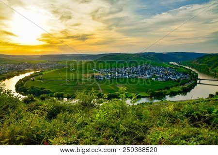 Leiwen Village On The Mosell Ein Germany