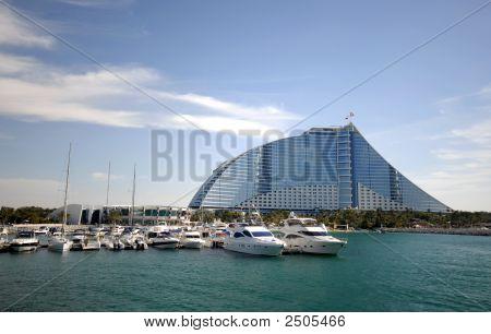 Jumeirah Beach Hotel And Marina