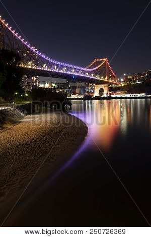 Brisbane, Australia - Sunday 22Nd July, 2018: View Of The Brisbane River And The Story Bridge At Nig