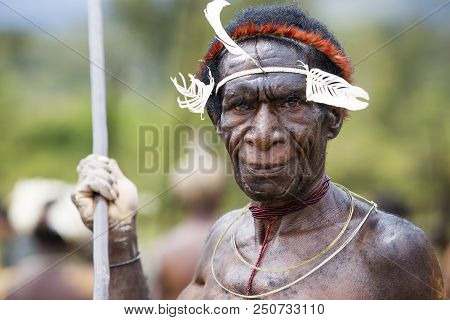 Baliem Valley, West Papua/indonesia - August 9, 2016: Dani Tribesman At The Annual Baliem Valley Fes