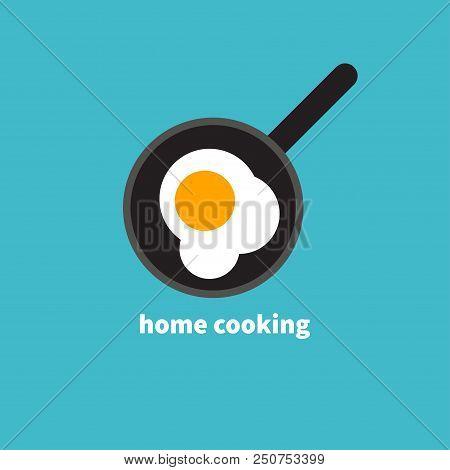 Home Cooked Food, Fried Eggs, Fried Eggs In Frying Pan, Healthy Breakfast, Home Cooking Breakfast In