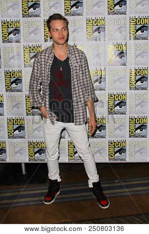 SAN DIEGO - July 21:  Alexander Calvert at the Comic-Con 2018, Sunday Press Line at the Comic-Con International on July 21, 2018 in San Diego, CA