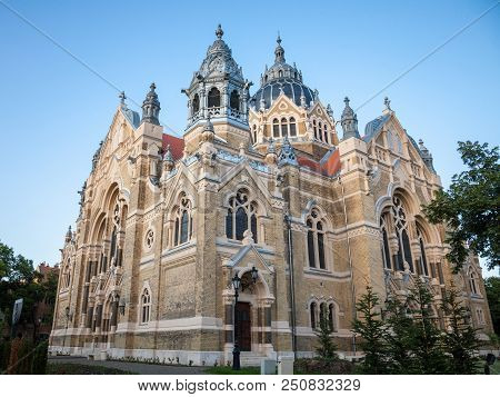 Szeged Synagogue Seen From The Bottom During The End Of The Afternoon. Designed By Lipot Baumhorn, I