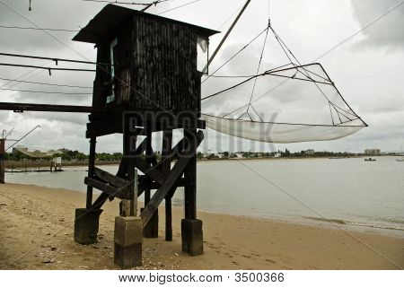 Classic Oyster Hut And Net