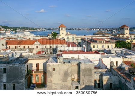 Havana, Cuba - November 13 2006: Cityscape View Of Plaza De San Farancisco De Asis And Other Old Bui