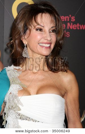 LAS VEGAS - JUN 19:  Susan Lucci arriving at the 38th Daytime Emmy Awards at Hilton Hotel & Casino on June 19, 2010 in Las Vegas, NV.