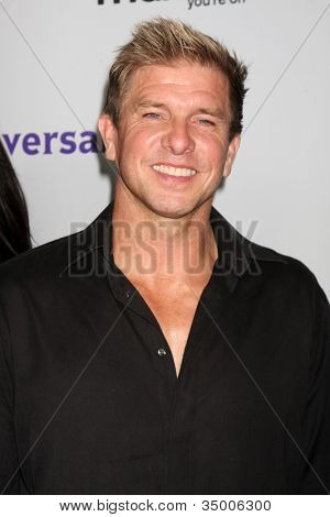 LOS ANGELES - AUG 1:  Kenny Johnson arriving at the NBC TCA Summer 2011 All Star Party at SLS Hotel on August 1, 2011 in Los Angeles, CA