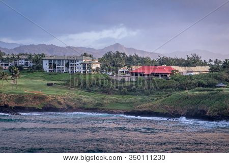 Nawiliwili, Kauai, Hawaii, Usa. - January 16, 2020: Early Morning Light On Timbers Kauai Ocean Golf