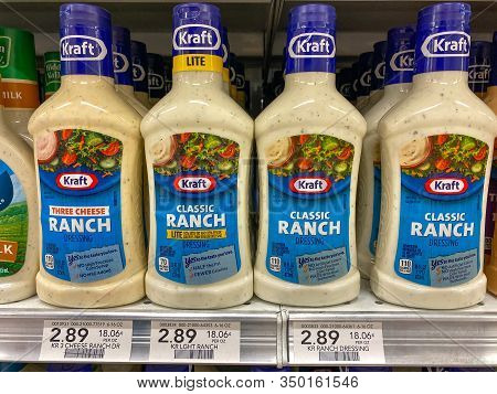 Orlando,fl/usa -2/8/20:the Kraft Classic Ranch Salad Dressing Display Of A Publix Grocery Store.  Kr