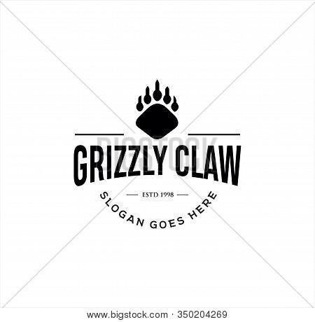 Grizzly Claw Logo . Bear Claw Logo Vintage Illustration . Wild Claw Logo