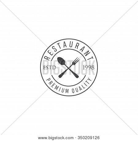 Vector Vintage Fast Food Logo. Hipster Natural Restaurant Label, Sign. Bistro Icon. Street Eatery Em