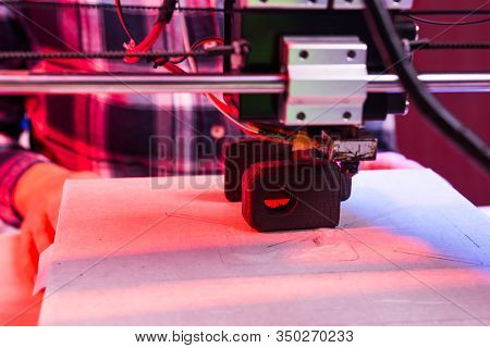 Electronic Three Dimensional Plastic Printer During Work In Laboratory, 3d Printer, 3d Printing
