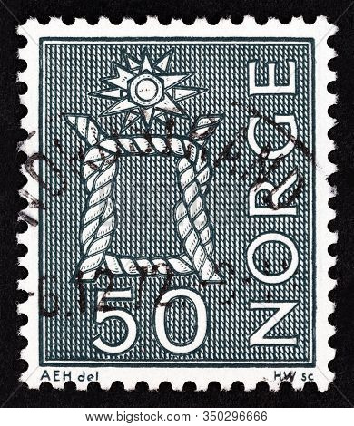Norway - Circa 1968: A Stamp Printed In Norway Shows Reef Knot, Circa 1968.