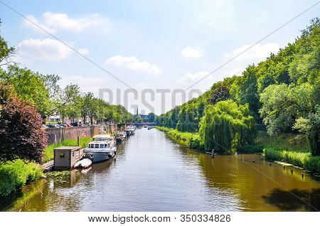 Hertogenbosch, North Brabant, Netherlands - June 9, 2018: Water Canal With Boats In The Historical C