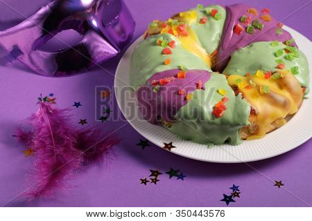 Creative Style King Cake for Mardi Gras party in New Orleans