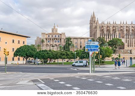 Palma De Mallorca, Spain - November 4, 2019: Sea Promenade Paseo Maritimo And Roman Catholic Cathedr