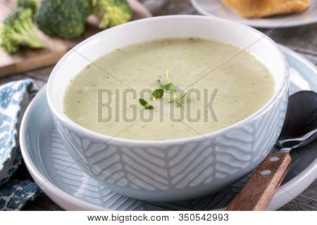 A Bowl Of Hot And Delicious Cream Of Broccoli Soup.