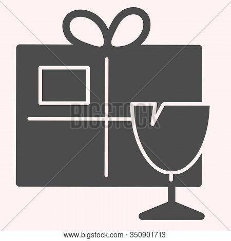 Fragile Box Glyph Icon. Fragile Cargo Package With Glassware. Postal Service Vector Design Concept,